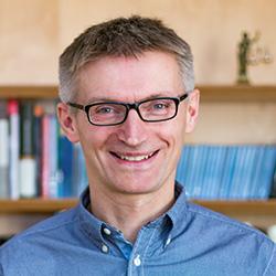 Dr. Mario Mitteregger